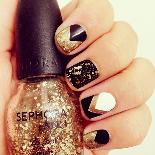 black, gold and white chevron nails