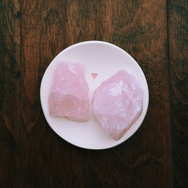 rose quartz crystals in heart ring dish