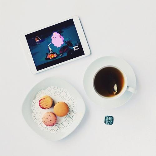 sunday morning macarons tea adventure time ipad